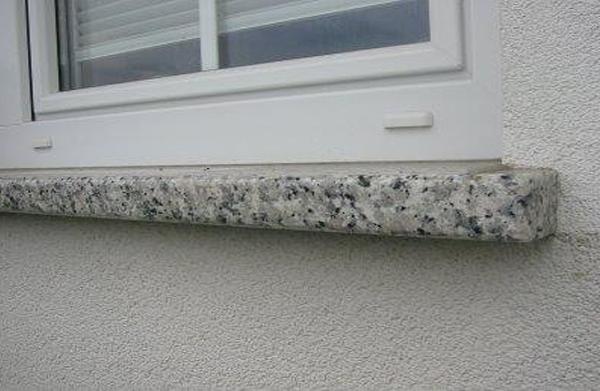Okenske police iz granita
